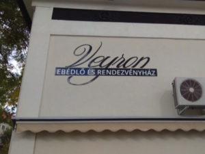 Veyron üzlet dekoráció